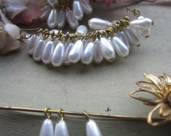 35 Vintage Japanese Glass Pearl Drops