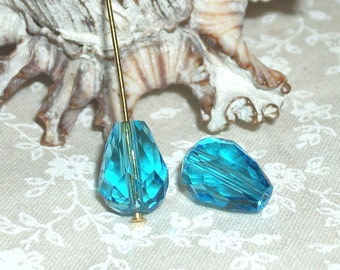 Aqua faceted teardrop crystal beads (11 x 8 mm)- 10 pieces