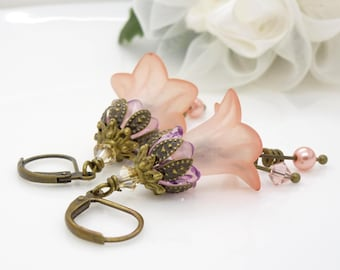 Purple and peach flower earrings, vintage style lucite flower earrings, Lavender purple, peach and pink beaded jewelry