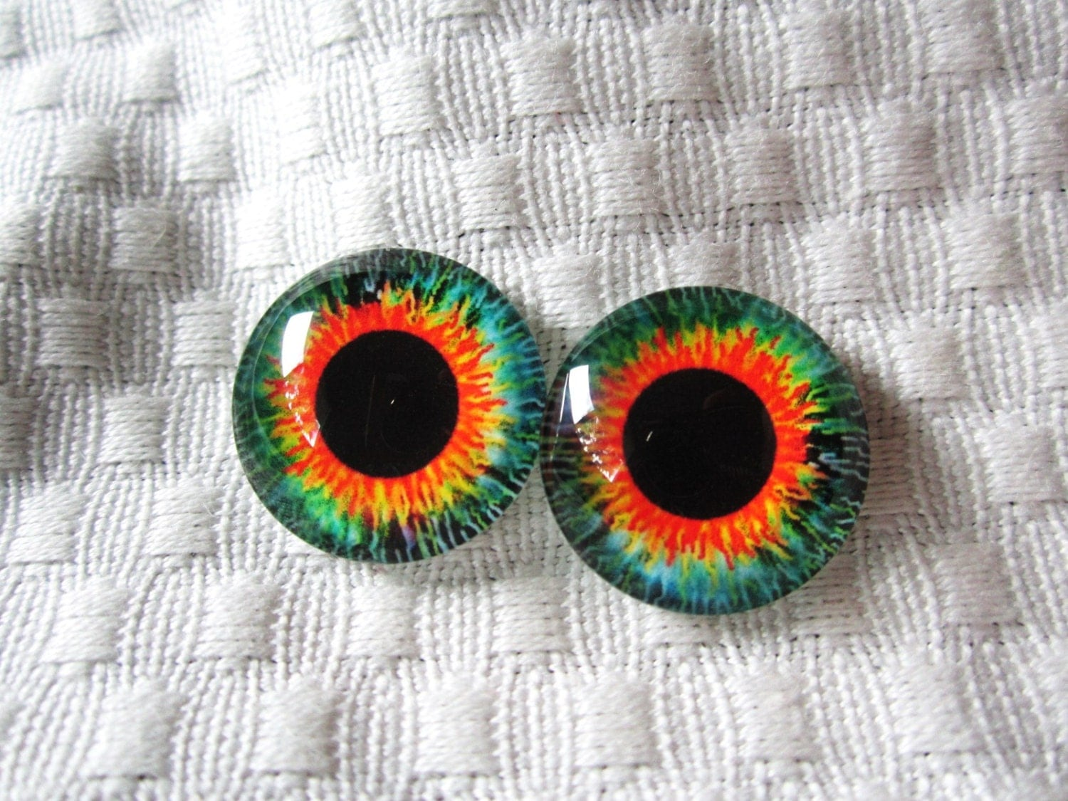 Glass eyes for jewelry making or crafts 20mm cabochons for Glass jewels for crafts