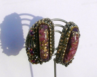 clip earring with rhinestones and confetti