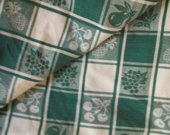 Green and White Fruit Pattern Tablecloth 47 x 63