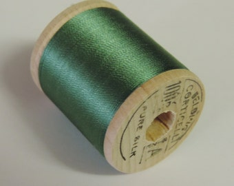 Vintage Belding Corticelli  Pure Silk Hand Sewing Embroidery Thread 100 Yd. Wooden spool Shade 9784 Dark Jade Green