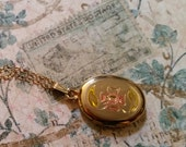 Precious Vintage Gold Tone Engraved Pink Flower Locket Necklace