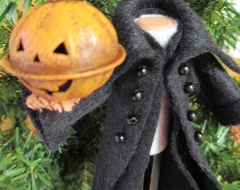Headless Horseman Ornament, Clothespin -  Halloween, Sleepy Hollow, Halloween Decor, Peg Doll