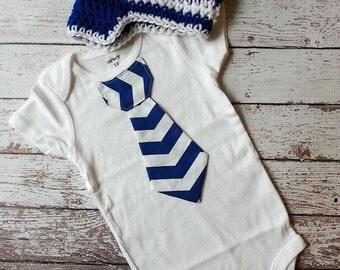 Baby boy tie one piece bodysuit and crochet hat set, chevron, baby boy fashion, birthday outfit, royal blue and white, photo prop, birthday