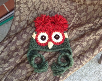Crochet Owl Hat . Holiday Red  and Green, Hooty Owl . Earflap . Photo Prop . 6 to 12 months