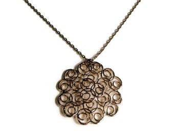80's Pendant Necklace Gold Tone