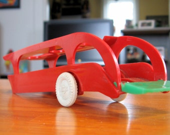 Vintage 1950s-60s Hard Plastic Red Toy Car Hauler by Cherrio