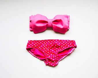 Vintage Bow Bandeau Sunsuit All Cotton Bikini .DiVa Halter Neck. Bubble Gum Pink Halter Neck top & pink polka dot panties.Pin up Style