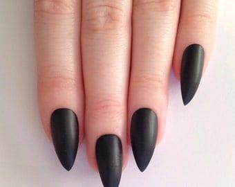 Matte Black Stiletto nails, Nail de signs, Nail art, Nails, Stiletto ...