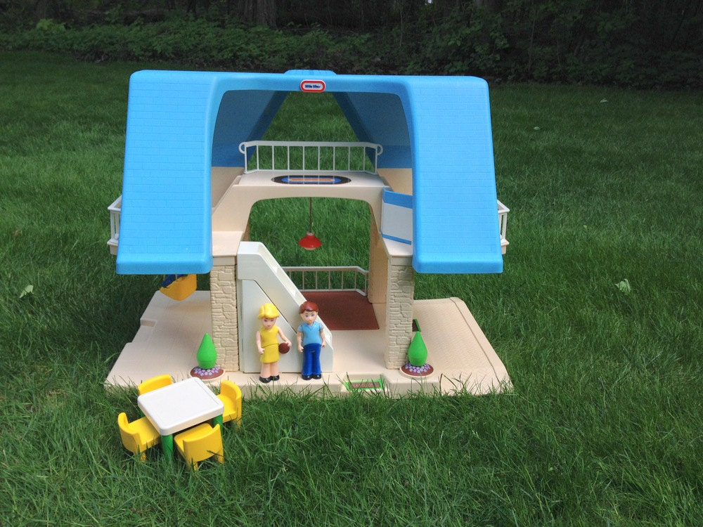 Vintage Little Tikes Dollhouse Blue Roof Doll House With