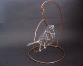 Wire bird *Pippi* with swinging copper stand, 3D wire sculpture, wire art, cute canary home decor, shabby chic, one of a kind, unique gift
