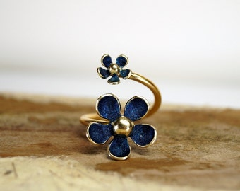 Iris blue daisy adjustable ring , Sterling silver daisy ring , Gold plated brass ring , Spring ring , Blue ring , open ring