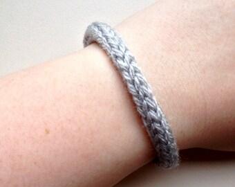 Handmade bracelet, knitted bracelet, yarn bracelet, light grey bracelet, knit bracelet, knit jewelry