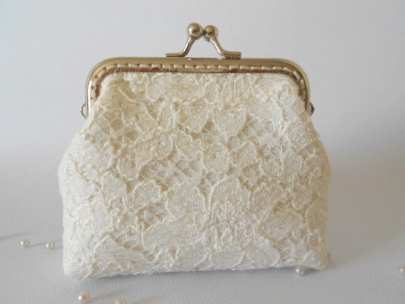 Ivory linen and Lace Purse, Wedding Bridesmaid Small White Clutch with Kisslock