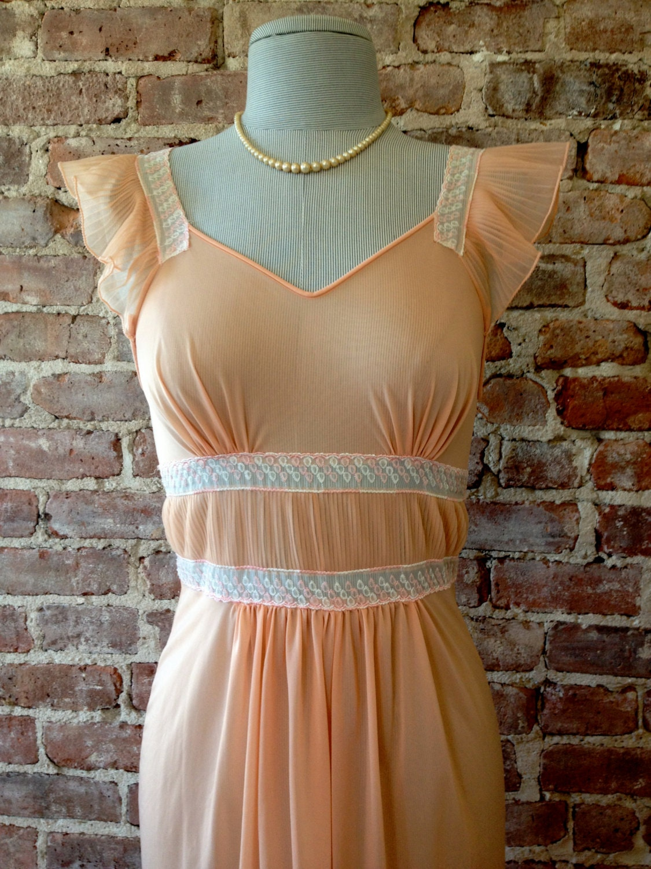 Size 34 - LUXITE Vintage Nightgown - 1950s Nightie - Sheer Peach Nightie - Wedding Nightgown