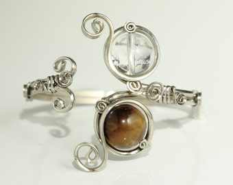 Adjustable bracelet for the wrist or forearm with a Tiger's eye and a Crystal Quartz - mother's day