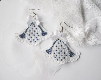 White Lace Earrings, Bridal Jewelry, Venise Lace Earrings, Lace Wedding Earrings, Bib Earrings, Bridesmaid earrings