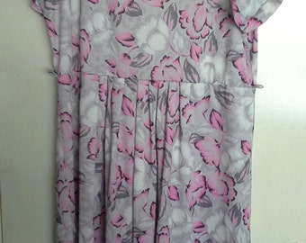 big grey and pink flower dress size 22