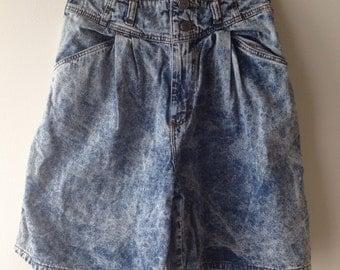 Vintage 1980's / 1990's High Waisted Acid Wash Denim Shorts / Pleated Shorts / Denim Cutoffs