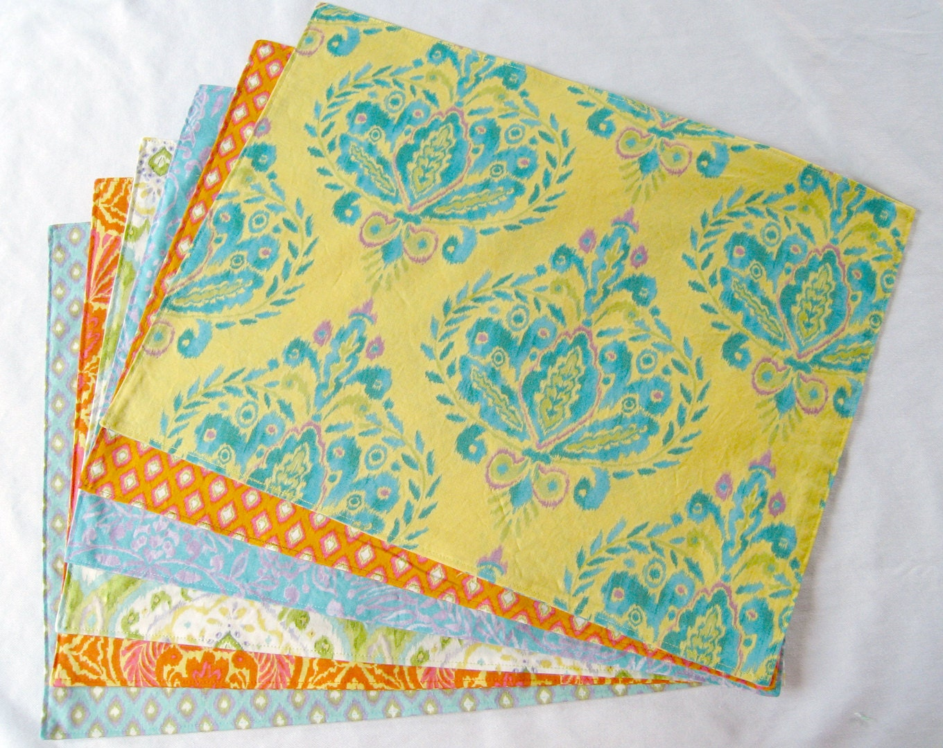 Large cloth placemats set of 6 yellow orange blue green for Oversized placemats