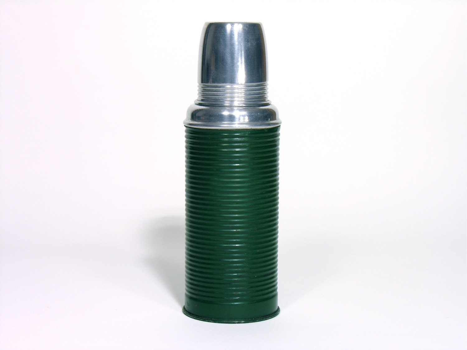 how to properly clean the inside of a thermos bottle