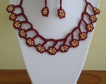 Crocheted jewelry set