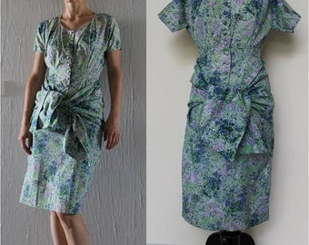 Dress of the years 1950 floral pattern