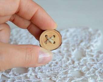 Wooden button round brooch pin with natural linen cord, antique bronze base pin, natural wood slice jewelry, eco friendly jewellery