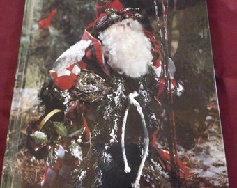 Vintage Leisure Arts -The Spirit of Christmas - L 429