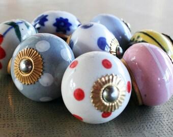 set 2 Ceramic Knobs