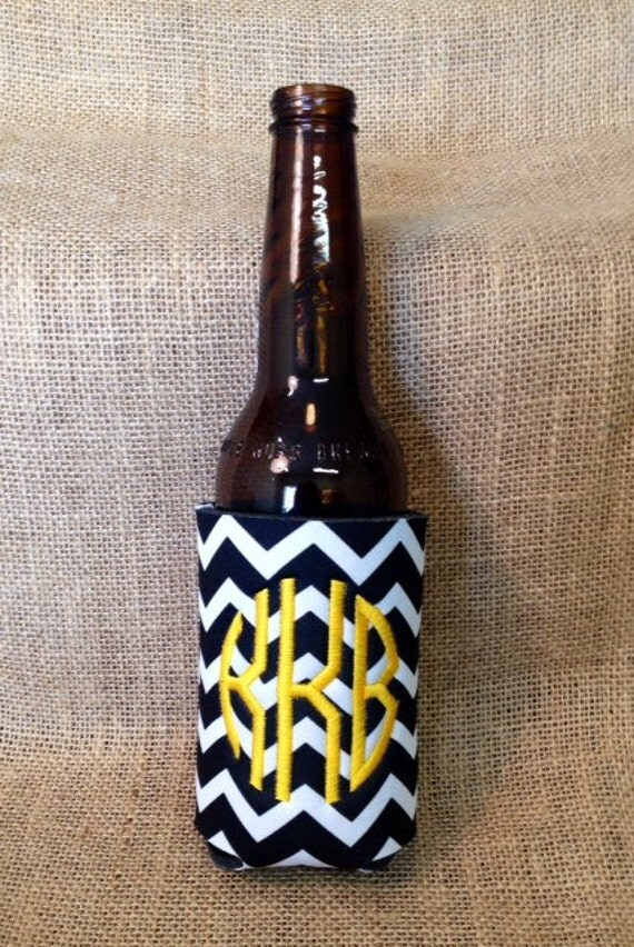 Monogrammed Can Sleeve, Personalized Beer Hugger, Monogrammed Gifts, Beer Gifts, Tailgate Party Favors, Black Chevron; Black and Gold