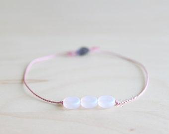 Friendship bracelet/ dainty bracelet/ moon bracelet/ effortless chic bracelet/ birthday bracelet