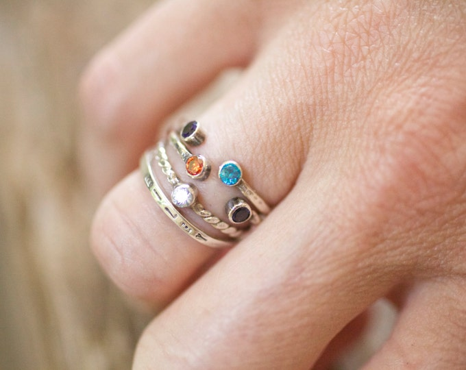 What are some places where you can sell your own jewelry?