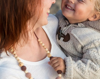 The Best Seller - Capuccino Nursing Necklace - Juniper Wood