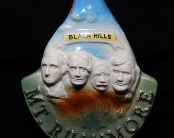 Mt. Rushmore USA Presidents South Dakota Vintage JiM BEAM 1969 Black Hills  collectible Ceramic  trophy bottle barware decor