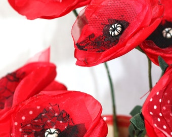 Fabric Poppy Tutorial, PDF. Learn to make your own fabric flowers