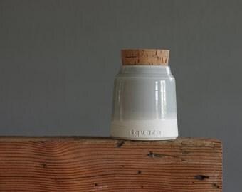 Pet urn, custom color urn. custom name, date, color. cremation urn. modern funerary urn for ashes. White, dove grey. read item details