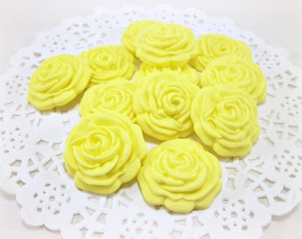 30 Wedding Favors Edible Candies Roses Yellow Edible Favor Wedding Favor Candy Favor Rose Edible Guest Gift Rose Wedding Edible Yellow Favor
