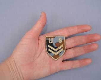 Iron-On US Military Style Patch Crest Shape Camouflage Green Tan