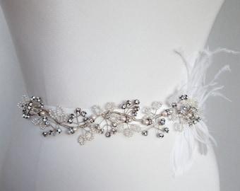 Bridal crystal belt, Swarovski crystal belt sash, Crystal and pearl wedding belt sash, Vintage style belt, Pearl, crystal and feather belt