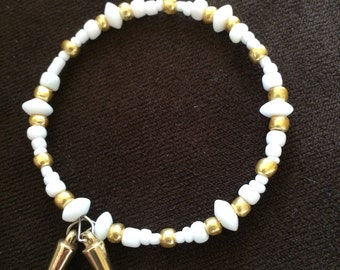Gold and white glass bead bracelet