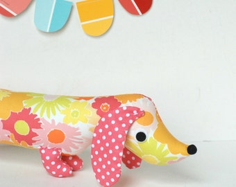 Pink Vintage Floral Print Modern Stuffed Wiener Dog Softie Plush for Kids Dachshund Doll Baby Toy SALLY
