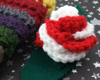 Sarah Jane Smith - Crocheted Rose Lapel Pin - Red and White (SWG-PL-DWSJ01)