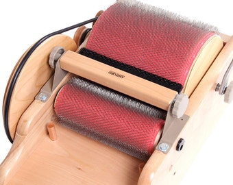 ASHFORD DRUM CARDER with fiber