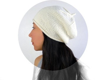 Made in France: Beret Style Merino Slouch Hat in Soft Cream. Romantic / Boho. Ivory White. Spring / Ski Fashion. Handmade in France.