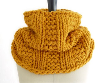 ON SALE Chunky Knit Infinity Loop Scarf / Cowl / Snood. Sunflower Gold / Mustard. Spring / Fall / Winter Hipster Fashion.