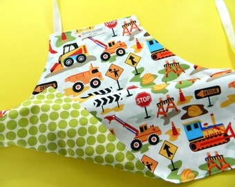 Kids Gift Under 30, Kids Apron, Toddler Apron, Reversible Apron, Construction, Toddler Boy, Children's Apron, Kids Art and Craft
