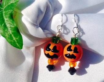 Jewelry,earrings,halloween,de stash,holiday,sale,halloween earrings, Swarovski crystals,beads, beaded earrings, dangle earrings, lampwork